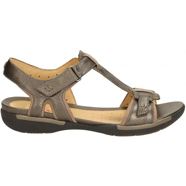 e5d21a32dbe Clarks Womens Un Voshell Bronze T-Bar Sandals at Marshall Shoes