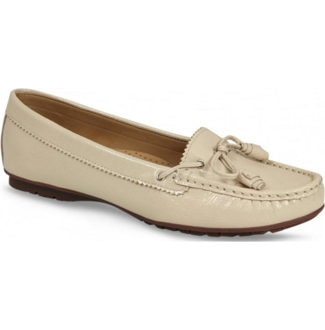 Lisa Kay Womens Essie Cream Patent Slip On Moccasins