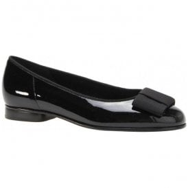 Womens Assist Black Slip On Shoes 05.100.97