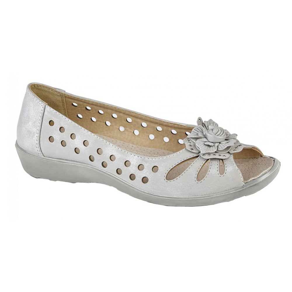 5f3630bc4d6 Boulevard Boulevard Womens Light Silver Shimmer Slip-On Open Toe Punched  Flower Pump Shoes L705LF