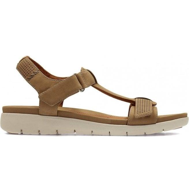 5bd04d326e44 Clarks Womens Un Haywood Light Tan Leather T-Bar Sandals
